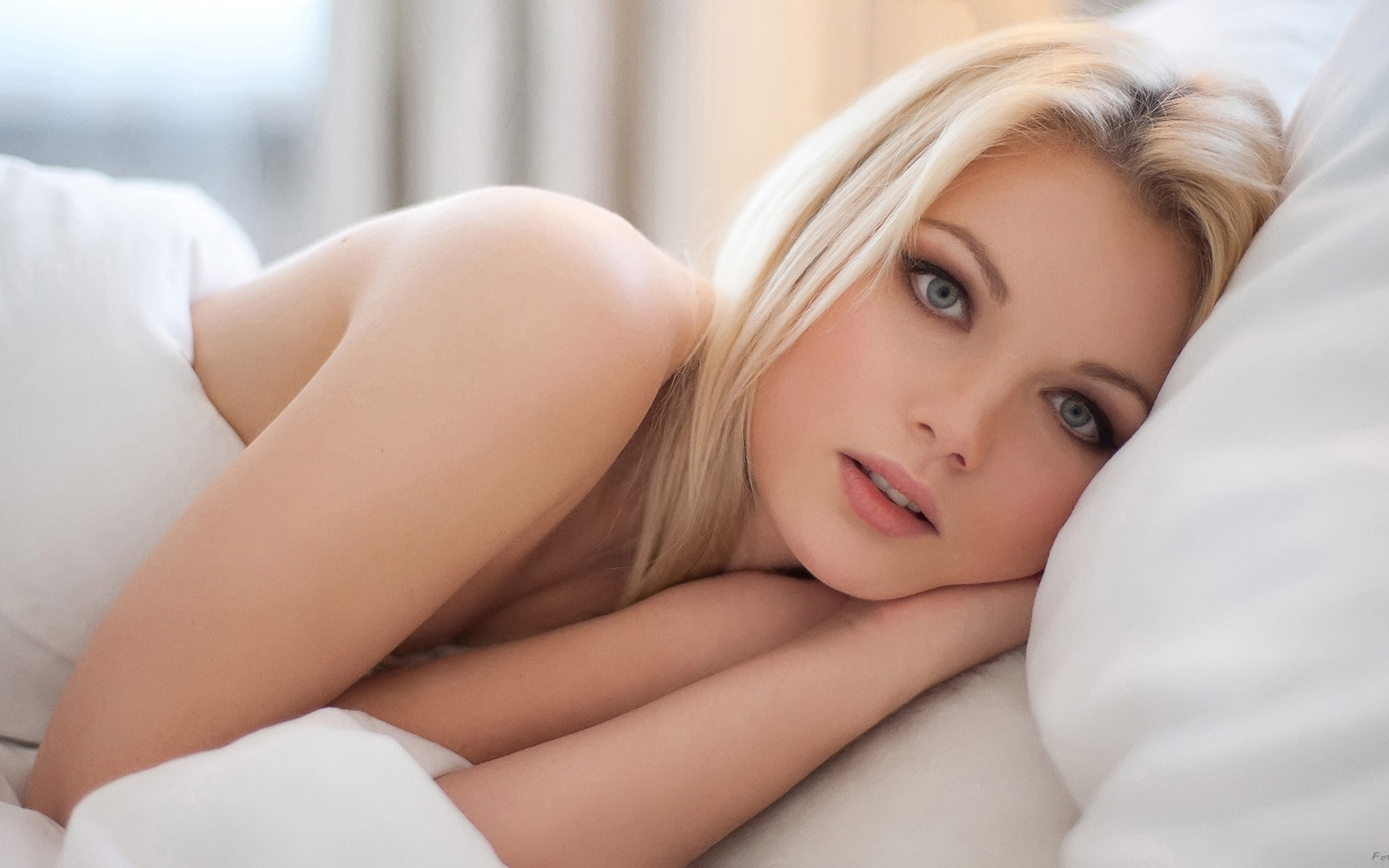 Смотреть онлайн порно кастинг с молоденькими в анал 9 фотография