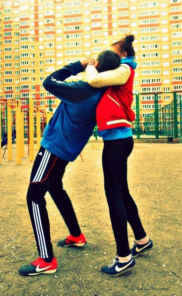 Фото на аву пацан и девушка