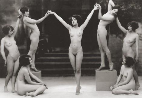 ретро танцы голых женщин