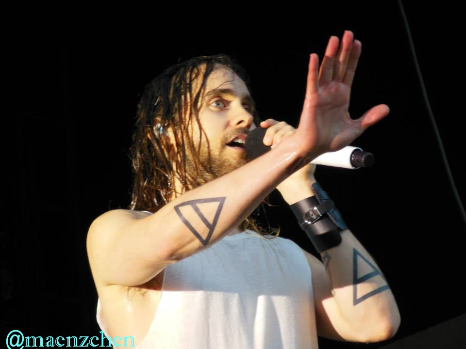 jared_leto_live_by_maenzchen-d6h22o1.jpg